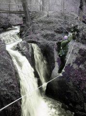 outdoor training eifel seilbrücke über wasserfall