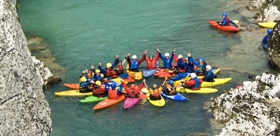 Eine Tour mit der Kanu-Schule Noris zu einem der Top-Spots der Wildwasser-Szene, tolle Bedingungen für Einsteiger, Fortgeschrittene und Cracks im Kajak ...